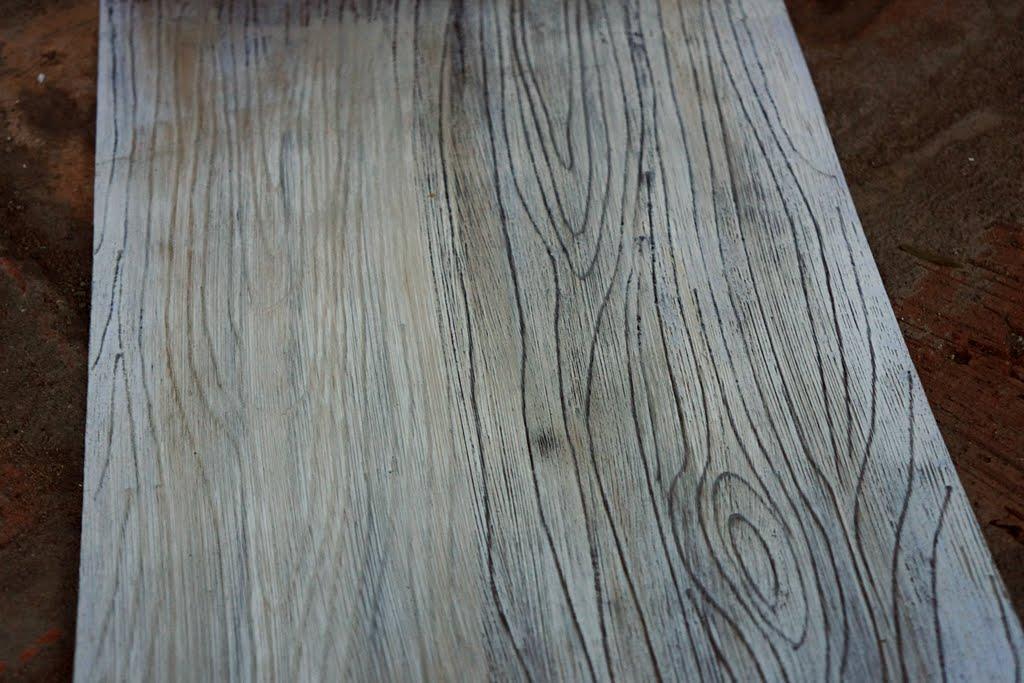 Хотите знать, чем покрасить брашированное дерево? Конечно же акриловыми красками