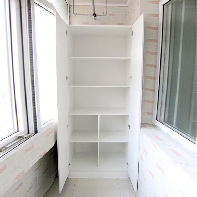 Установить мебель такую как шкафы и полки лучше перед началом ремонта, иначе можно повредить обшивку балкона