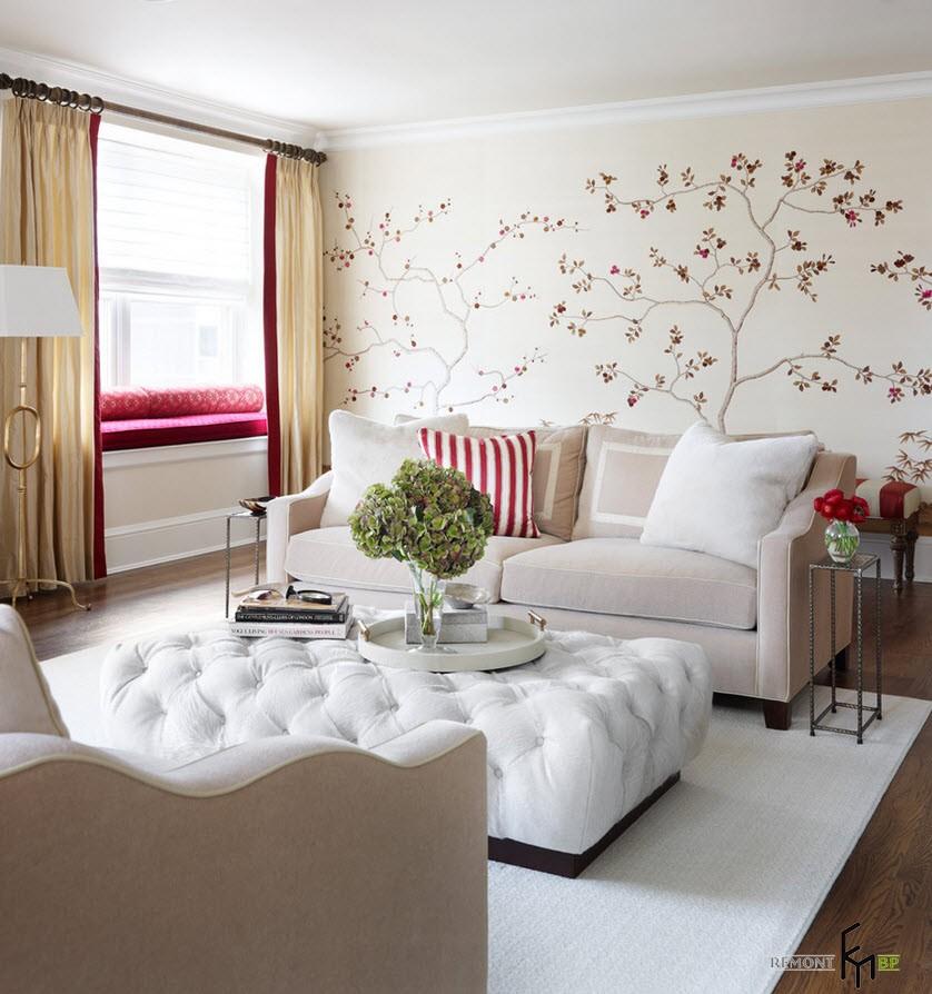 Интересно будет смотреться, если одна стена в комнате будет создавать на себе акцент и покрасить ее в яркий оттенок или поклеить фотообои
