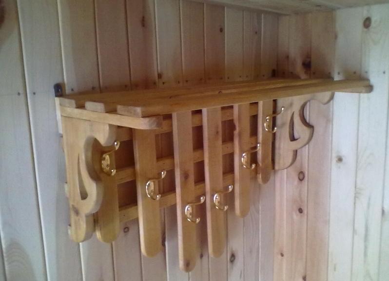 Вешалка для бани с металлическими крючками