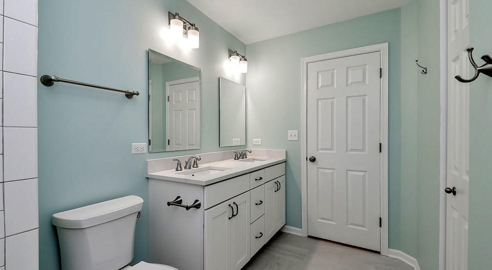 Для небольших помещений лучше использовать краску светлых оттенков