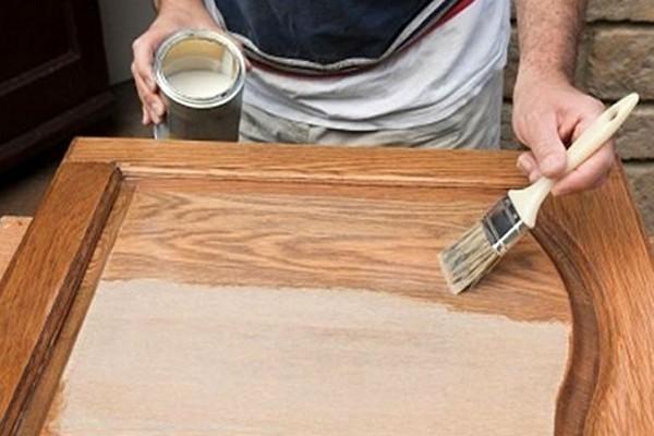 Иногда достаточно просто проявить текстуру древесины