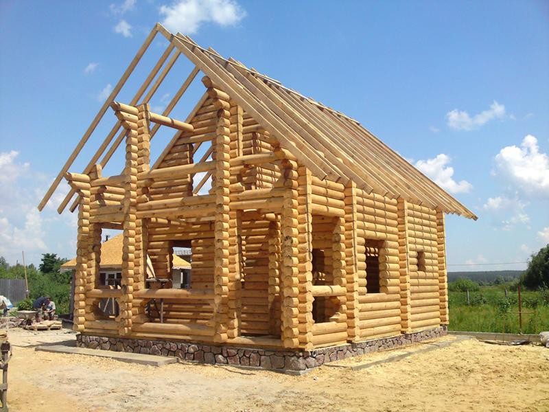 Изготовление деревянных домов на ленточном фундаменте – фрагмент со стройплощадки