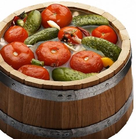 Кадка, заполненная овощами