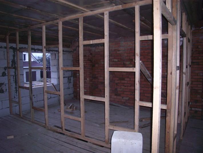Перегородки из гипсокартона в деревянном доме фото