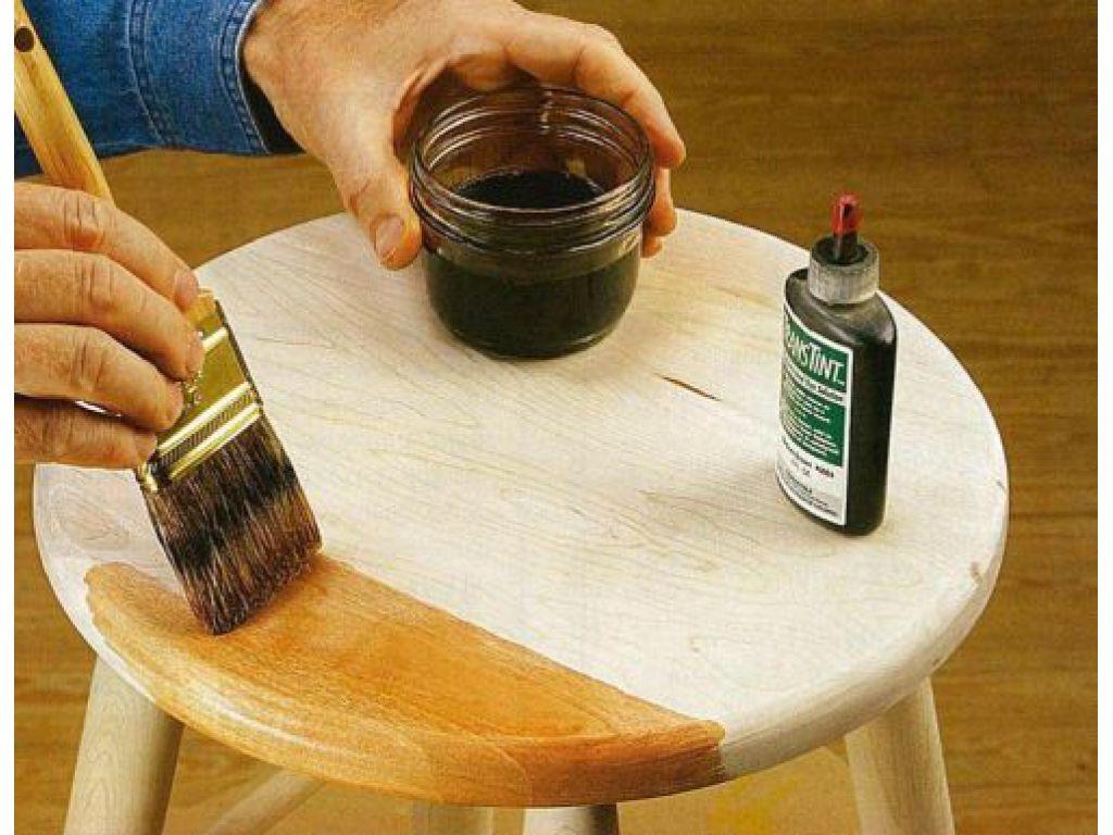 Кисть используется с мягким ворсом, мазки должны быть плавными и однообразными (слева-направо или сверху-вниз)