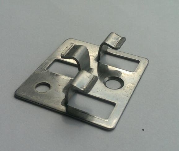 Конфигурация стандартного кляймера для монтажа вентилируемых настилов.
