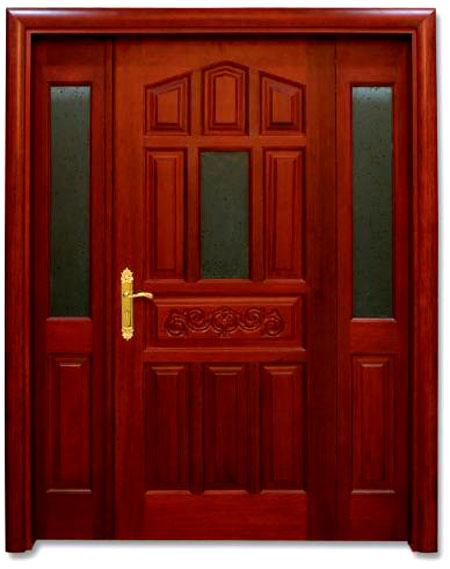 Красное дерево на входе в ваш дом