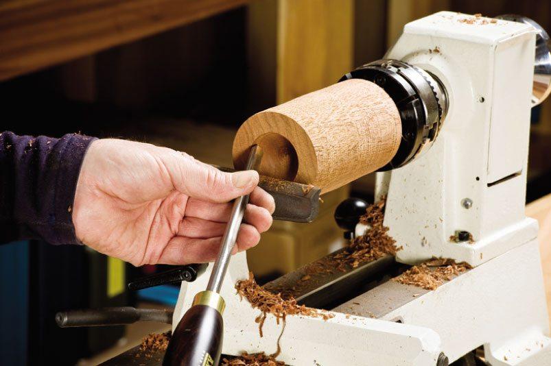Кулачковый токарный патрон по дереву идеален для случаев, когда заготовка закрепляется только с одной стороны