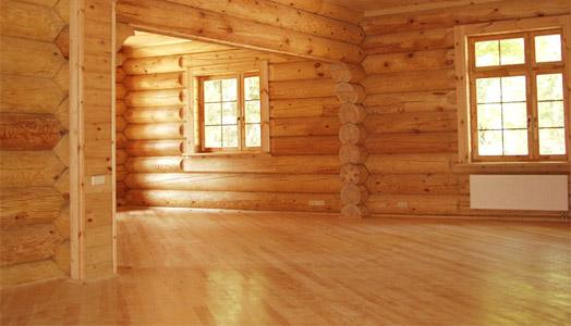 Ламинат в деревянном доме под цвет стен
