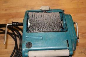 Машинка для браширования древесины Makita 9741 с одной щеткой