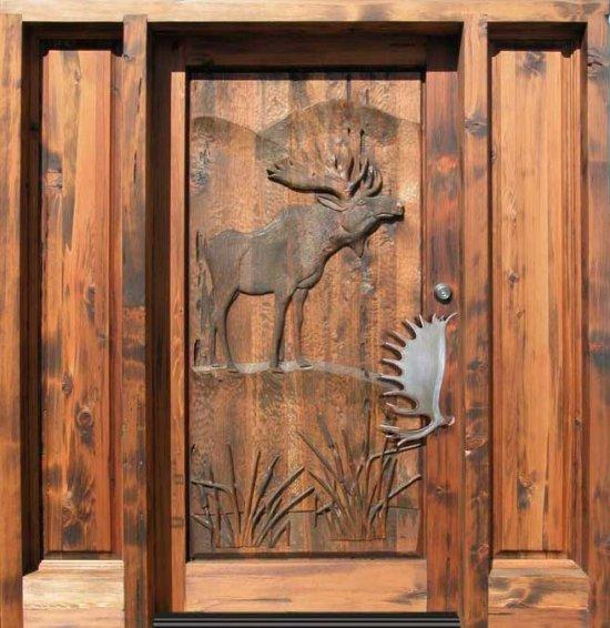 Мастерское оформление деревянной входной двери