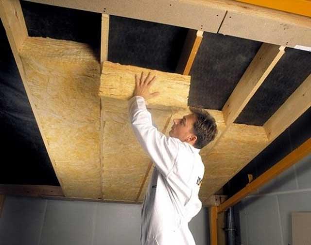 Монтаж матов на потолок