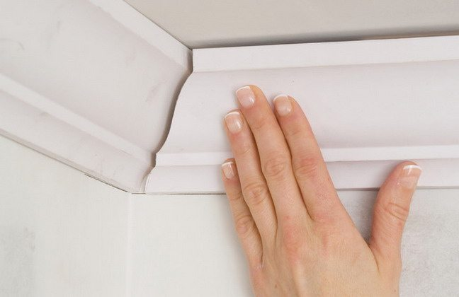 Монтаж потолочного багета своими руками
