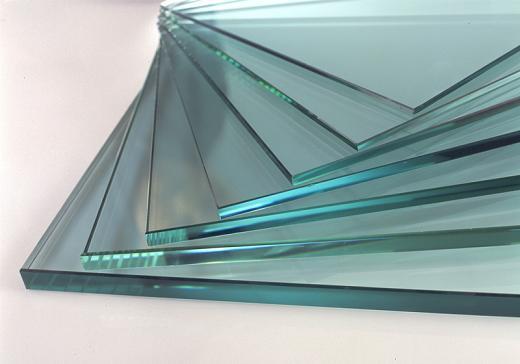 На фото – обычное листовое стекло