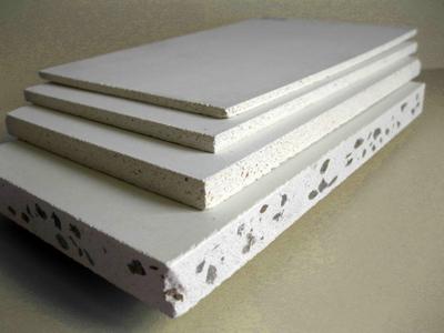 На фото: магнезитовая плита может иметь различную толщину, и вы подбираете конкретный вариант в зависимости от необходимости
