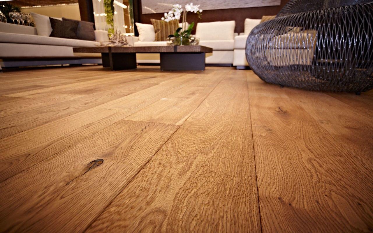 Напольные покрытия из натуральной древесины отличаются внушительным разнообразием