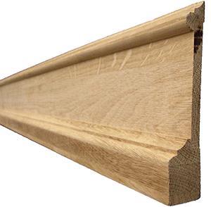 Напольный деревянный шпонированный плинтус внешне практически не уступает сделанному из массива