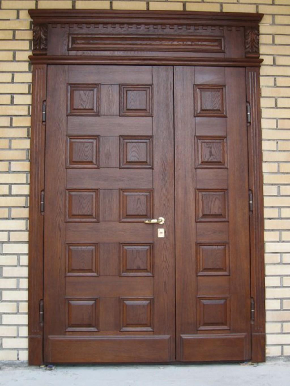 Наружные филенчатые двери
