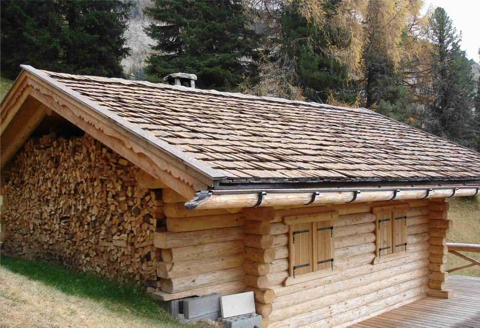 Натуральное сырье используется в традиционной архитектуре очень широко