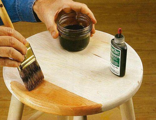 Обработка бейцем не только украшает, но и защищает материал.