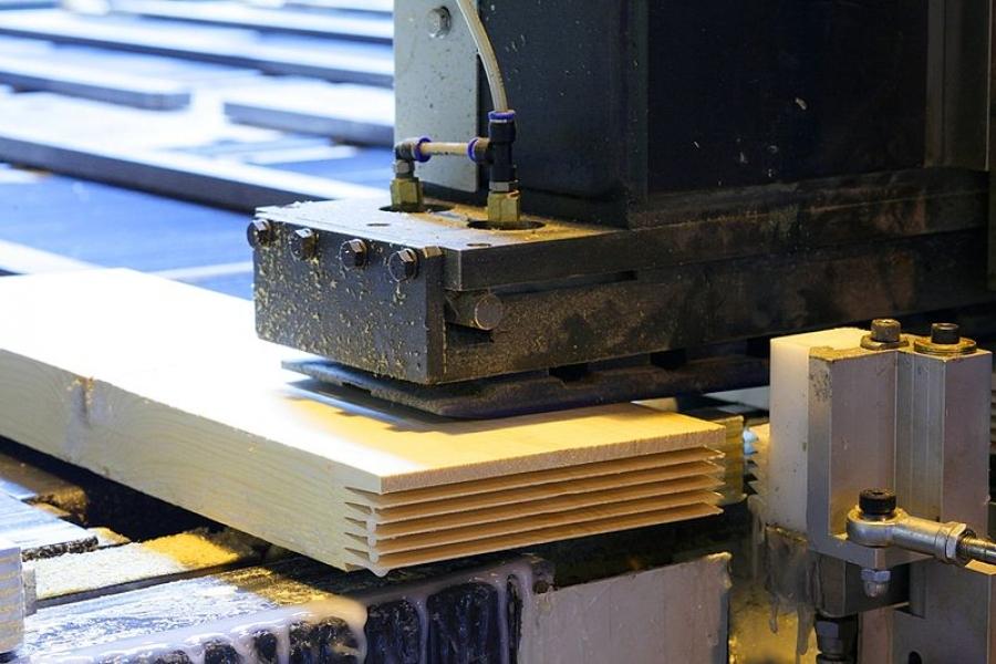 Обработка доски для изготовления заготовок (ламелей)