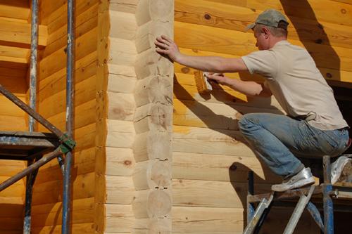 Обработка экстерьера деревянного дома