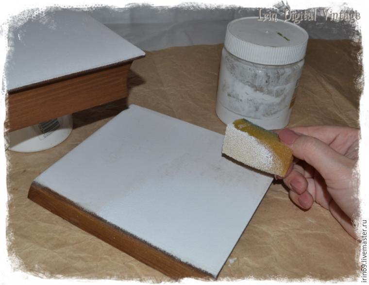 Обработка губкой деревянной шкатулки