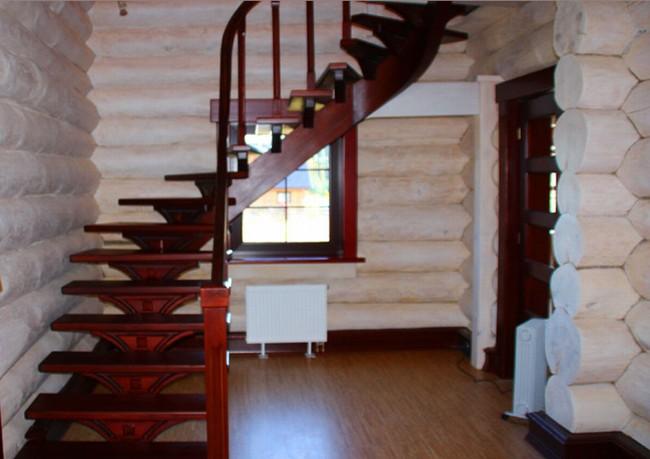 Окрашенная древесина в интерьере