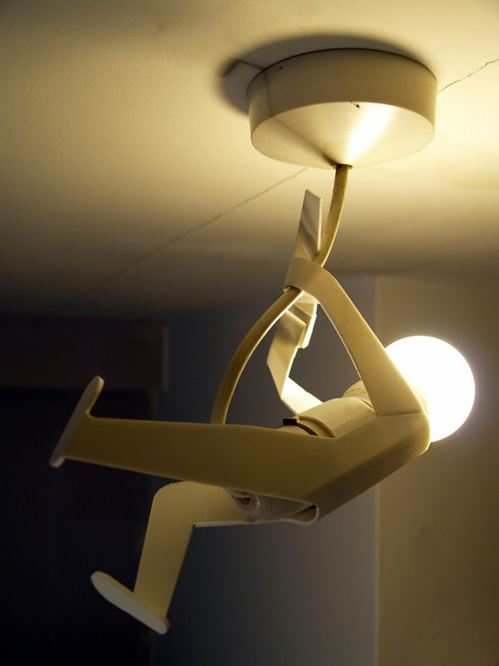 Оригинальный фанерный светильник