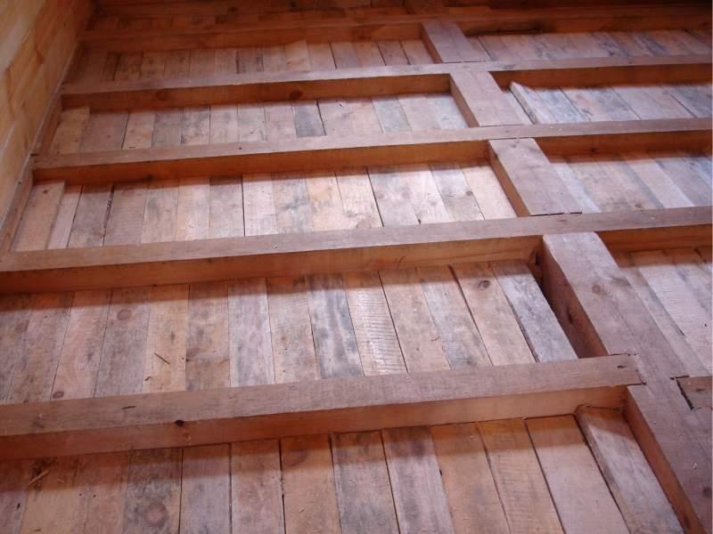 как делать пол в деревянном доме