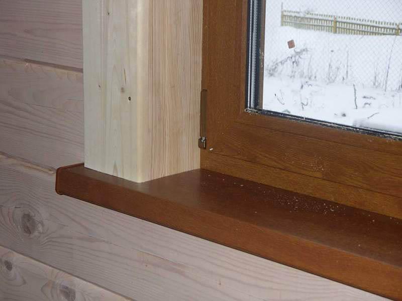 Откосы могут быть и из дерева, окрашенные в тон интерьера