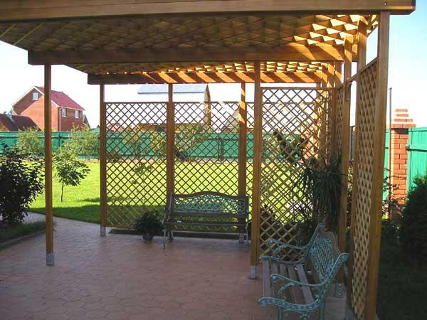 Перголы и арки из дерева для дачи используются чаще всего для создания мест отдыха