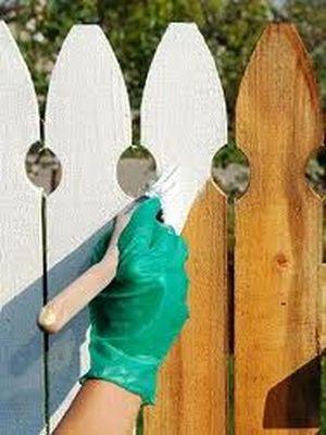 Покраска – заключительный этап установки садовой ограды