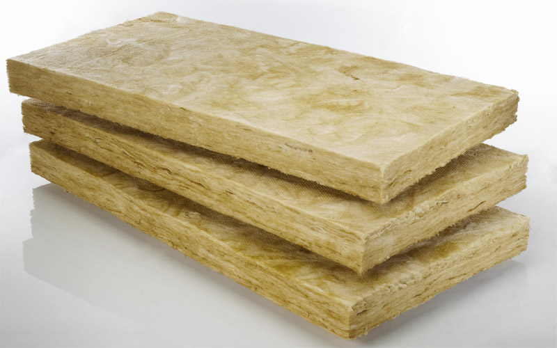 Представлены минеральные плиты для теплоизоляции строений.