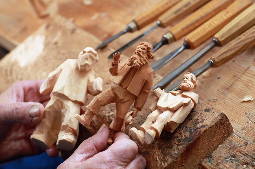 Вырезка из дерева своими руками