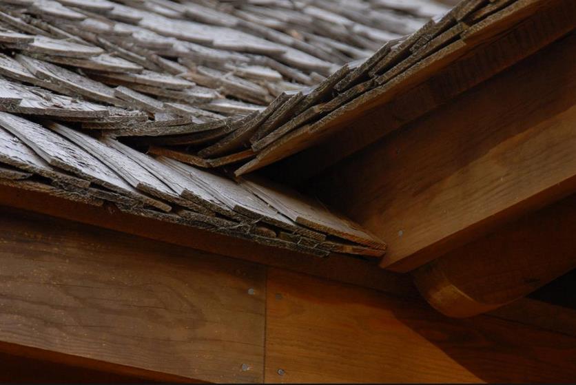 При правильном уходе древесина прослужит не один десяток лет