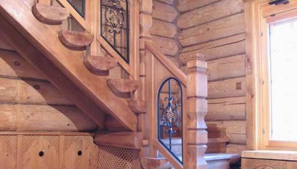Пример оформления деревянной лестницы