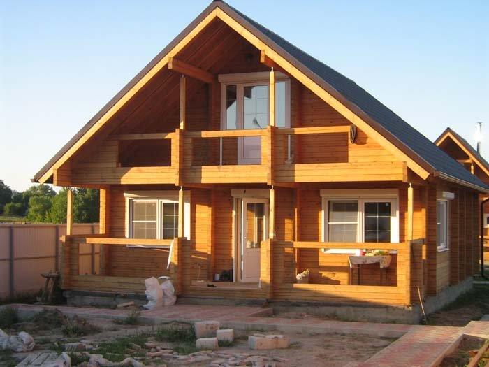 Пример собранного домокомплекта с мансардой 7х9 м