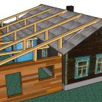 Проект пристроя к деревянному дому с переделкой одного ската крыши