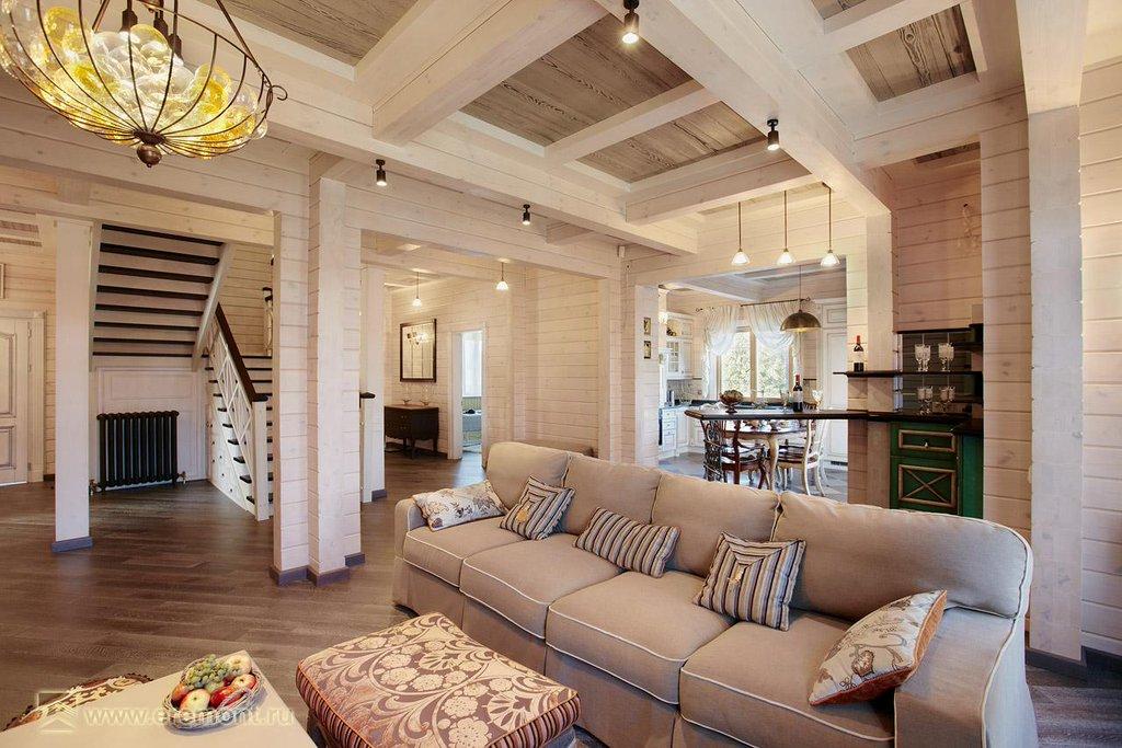 Просторная гостиная в стиле Прованс.