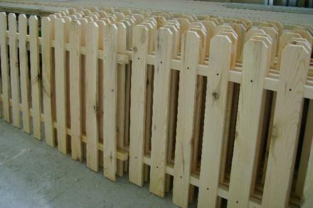Секции деревянные забор из них построить несложно