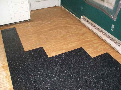 Сочетание древесины и керамики в интерьере жилого помещения