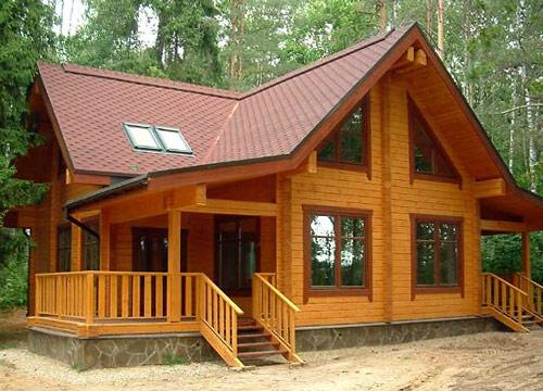 Строительство деревянных домов из сухого профилированного бруса стало популярным способом сооружения жилья.