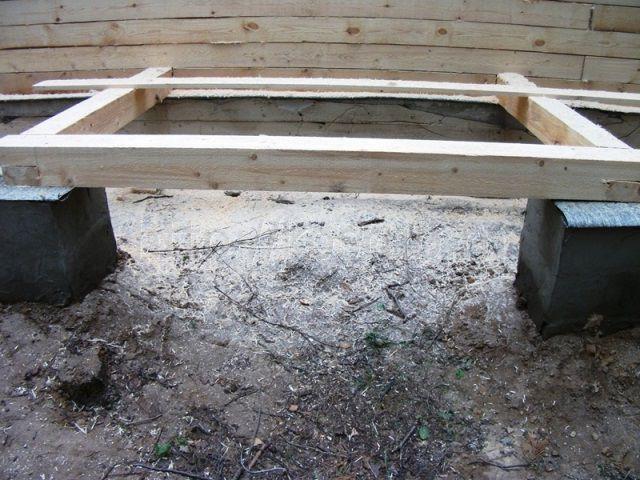 Свайный фундамент для веранды из дерева