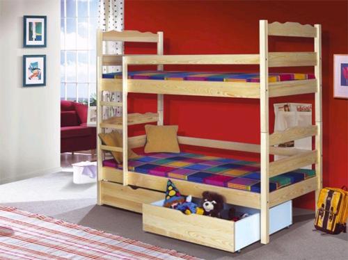 Так смотрится кровать в интерьере детской комнаты.