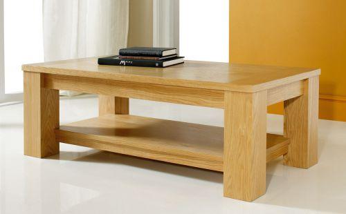 Так выглядят журнальные столики из массива дерева, выполненные в стиле минимализм