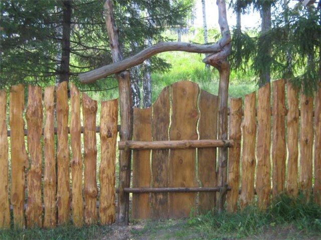 Такие деревянные калитки своими руками может построить каждый
