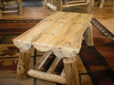 Такой стол станет оригинальным элементов в любом окружении