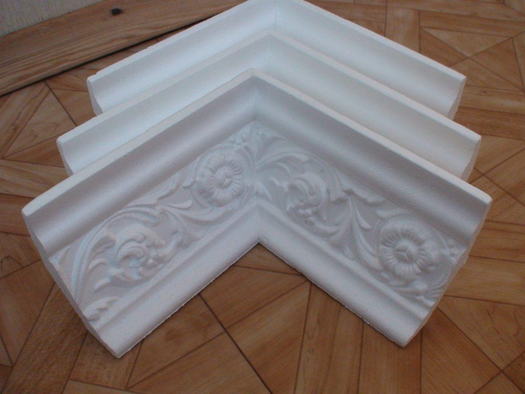Уголки для потолочных галтелей